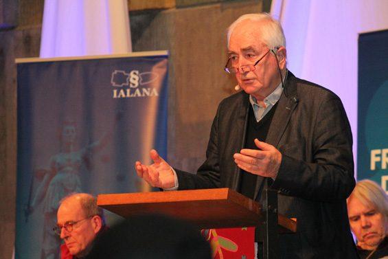 Albrecht Müller vermisste Medienvertreter für einen Dialog. Bild: Jens Brehl CC BY-NC-SA 4.0