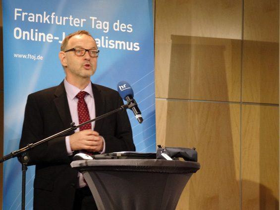 Manfred Krupp: Mediennutzer sollen nicht alles glauben, sondern auch hinterfragen. Bild: Jens Brehl CC BY-NC-SA 4.0