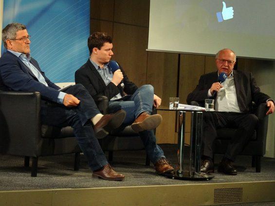 Teils aufgeladene Diskussion zwischen Roland Tichy (links) und Thomas Leif (rechts). Bild: Jens Brehl CC BY-NC-SA 4.0