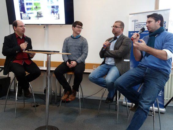Diskussionsrund (v.l.n.r.): Andreas Fauth, Felix Friedrich, Joachim Braun und Manuel Conrad. Bild: Jens Brehl CC BY-NC-SA 4.0