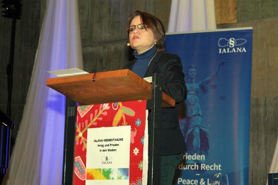 Dr. Sabine Schiffer sorgte sich um Medienvielfalt. Bild: Jens Brehl CC BY-NC-SA 4.0